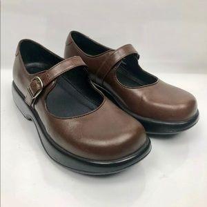 Womens Dansko  Comfort Shoes Size 37 US Size 7